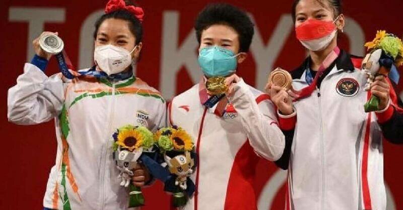 मीराबाईला मिळू शकते सुवर्ण पदक   वेटलिफ्टिंगमध्ये गोल्ड मेडल मिळवणाऱ्या चीनी एथलीटवर डोपिंगचा संशय