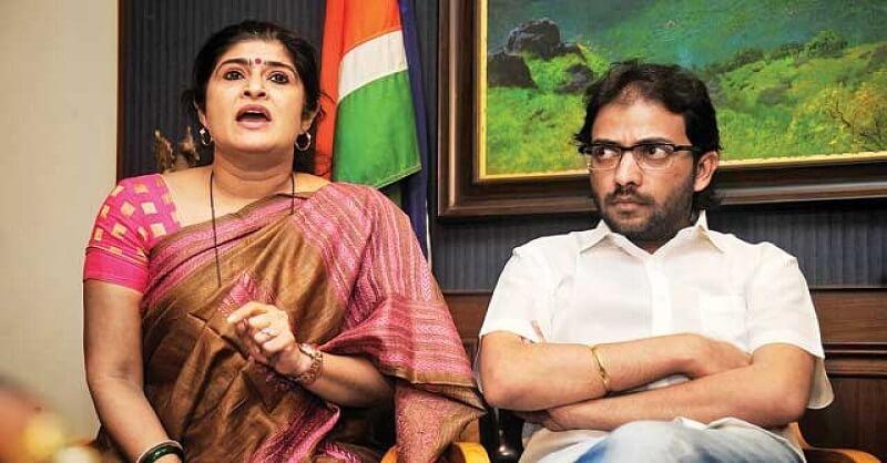 MNS leader Shalini Thackeray, Facebook account, hacked