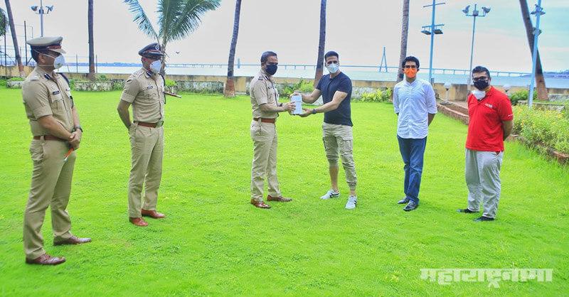 Bollywood, superstar Akshay Kumar, Minister Aaditya Thackeray, Mumbai Police Meet