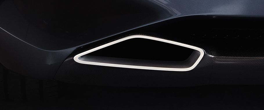 bmw-8-series-exhaust-pipe
