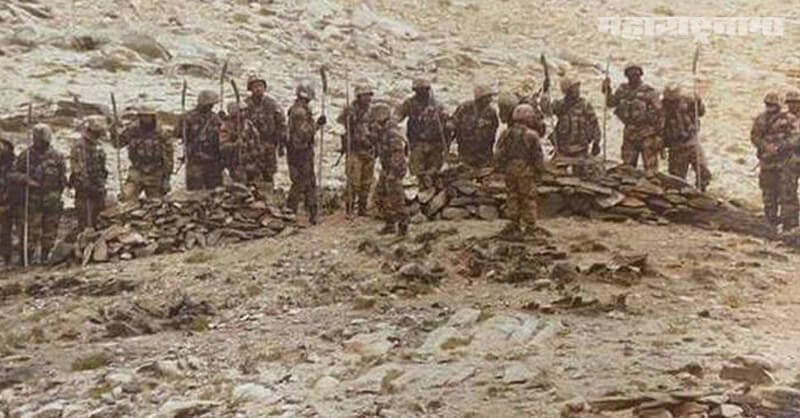 Chinese soldiers, Swords and spears, ladakh, Indian soldiers, Marathi News ABP Maza