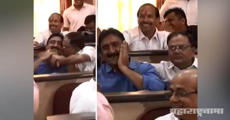 Congress corporator Sharangdhar Deshmukh, Tararani Aghadi Corporator Kamlakar Bhopale
