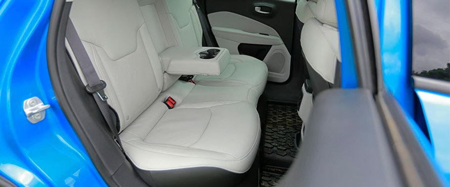 jeep compass--rear-seats
