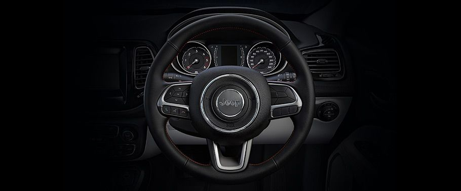 jeep compass--steering-wheel