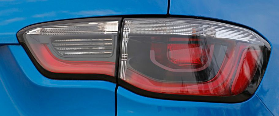 jeep compass--taillight
