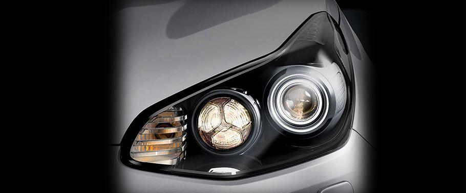 kia sportage-headlight