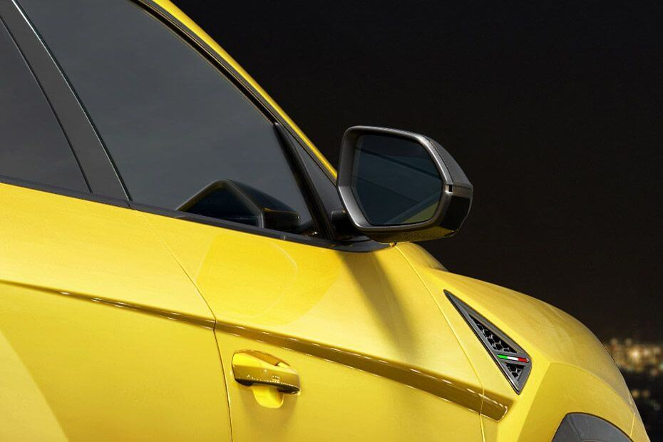lamborghini-urus-side-mirror-glass