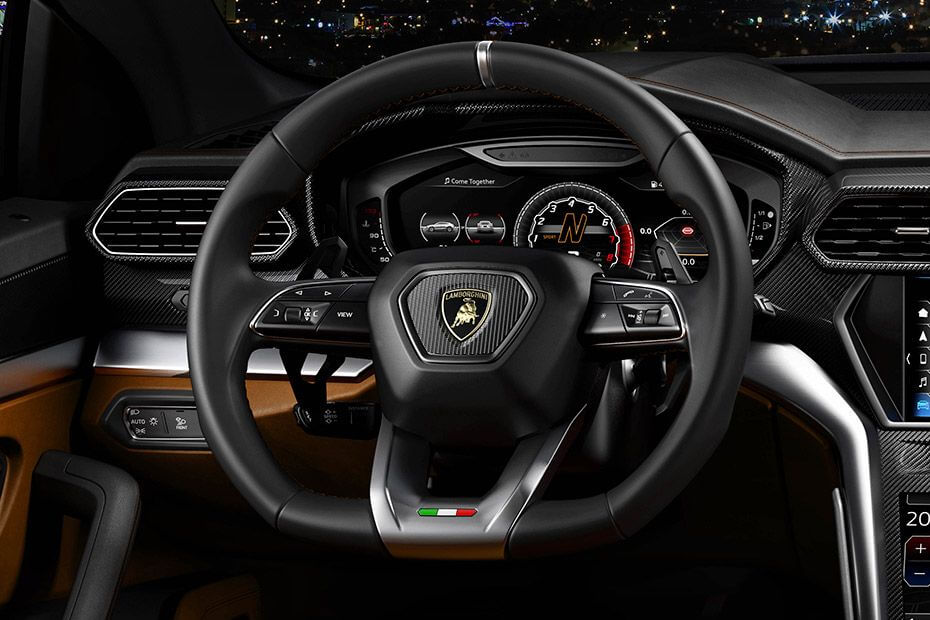 lamborghini-urus-steering-wheel