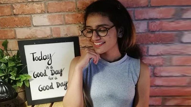priya-varrier-with-specs